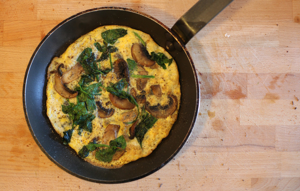 Mushroom & Spinach Omelette with Green Salad