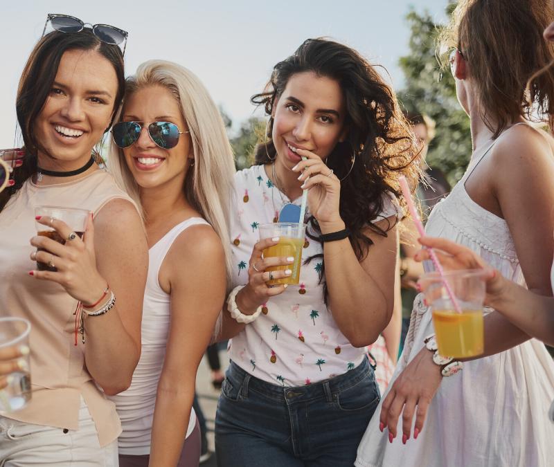 Tips for avoiding peer pressure to eat